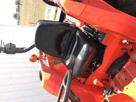 Kubota L4400D FWA/4WD Tractor - picture8' - Click to enlarge