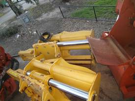 vermeer trencher sideshift attachment NEW - picture0' - Click to enlarge