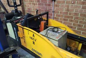 Crown Battery Electric Pallet Truck