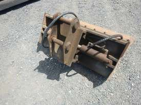 900mm Hyd Tilt Mud Bucket to suit 2 -4 Ton Excavator c/w Pins - 50045-1 - picture3' - Click to enlarge