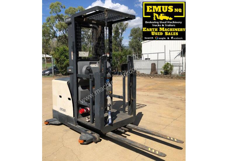 2011 Crown SP3400 Stock Picker Forklift MS497A