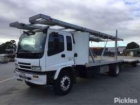 2003 Isuzu FVR900T - picture2' - Click to enlarge