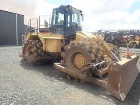 1997 Caterpillar 825G Compactor - picture1' - Click to enlarge