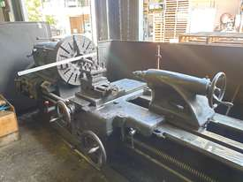 FLAT BED LATHE SWING OVER BED APPROX 560 MM  105 MM SPINDLE BORE  3 METER  BED   - picture0' - Click to enlarge