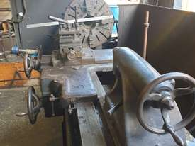 FLAT BED LATHE SWING OVER BED APPROX 560 MM  105 MM SPINDLE BORE  3 METER  BED   - picture2' - Click to enlarge