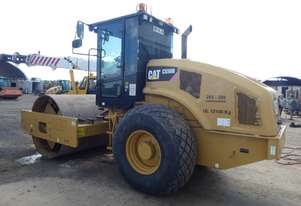 Caterpillar CS56B Smooth Drum Roller