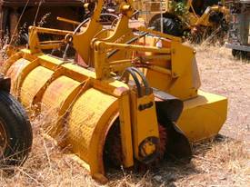 broom for loader attachment 6ton to 20 ton machine - picture0' - Click to enlarge