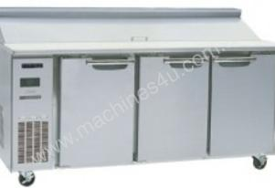 Skope BC180-S-3RRRS-E - 3 Door Sandwich Counter