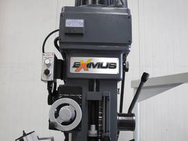 NT40 Vertical Turret Milling Machine - picture3' - Click to enlarge