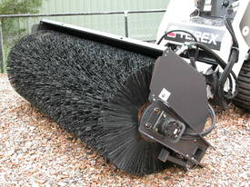 2100 HYDRAULIC ANGLE BROOM - picture3' - Click to enlarge