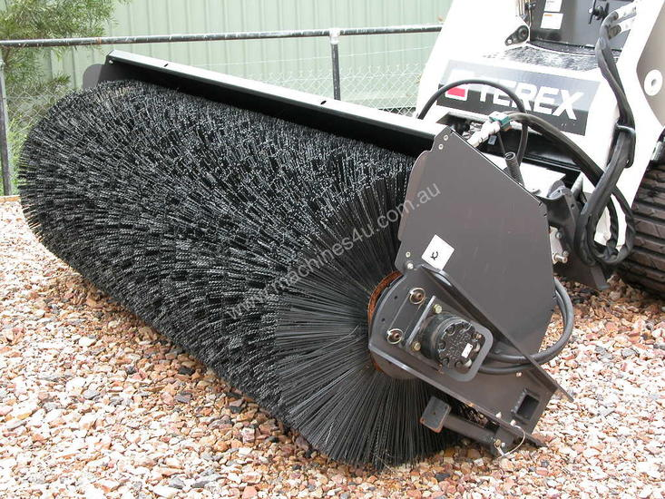 2100 HYDRAULIC ANGLE BROOM