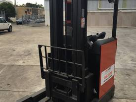 Used electric Toyota High Reach - picture2' - Click to enlarge
