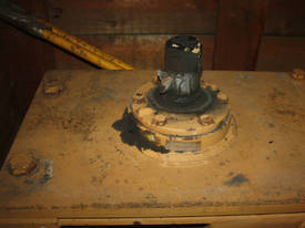 Huge Hansen Transmission Gearbox - picture1' - Click to enlarge