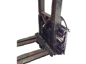 Twin Pallet Handler For Hire 150/pw For Sale $2999 - picture1' - Click to enlarge