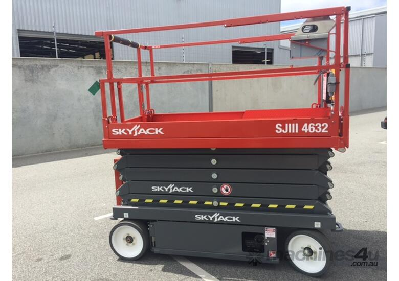 Skyjack SJIII4632 Electric Scissor Lift