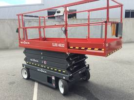 Skyjack SJIII4632 Electric Scissor Lift - picture9' - Click to enlarge