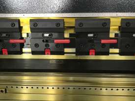 ACCURL 4100mm x 175Ton - 5 Axis CNC Pressbrake - picture2' - Click to enlarge