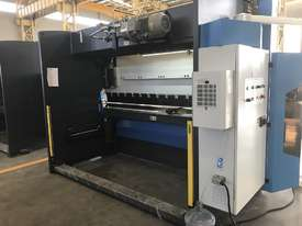 ACCURL 4200mm x 175Ton - 5 Axis CNC Pressbrake - picture5' - Click to enlarge