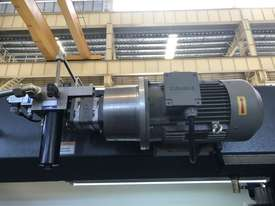 ACCURL 4200mm x 175Ton - 5 Axis CNC Pressbrake - picture12' - Click to enlarge