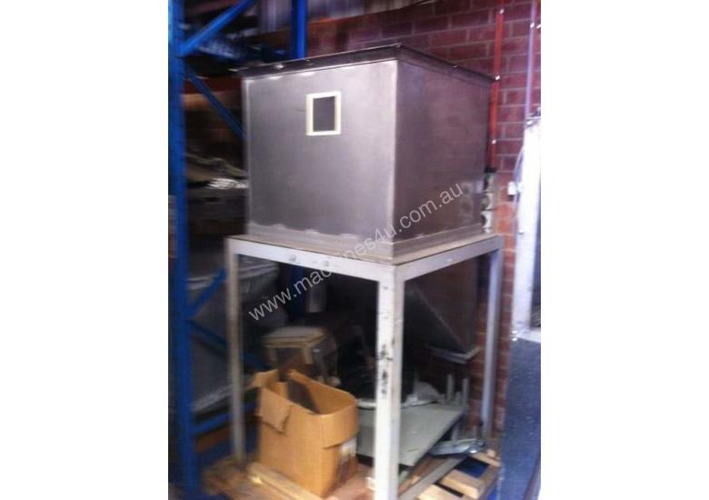 Freestanding Hopper (S/S, rectangular) with 45 degree angled discharge chute