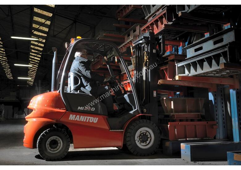 NEW 2.5T MANITOU DIESEL, 2-STAGE 4000MM MAST FROM $17.50 + GST PER DAY
