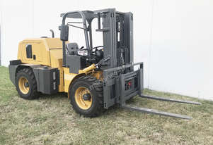 SUMMIT 3.5 Tonne 4WD Rough Terrain Forklift with 3 Stage 4 Meter Container Mast