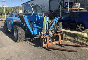 Genie 2006 telehandler 3713 Perkins 4x4 low hours $40000
