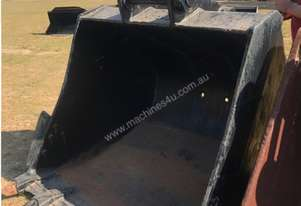 GP Bucket - With Teeth & Side Cutters - 1400MM