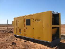 825 KVA  Cummins power Stanford Generator Low Hours - picture0' - Click to enlarge