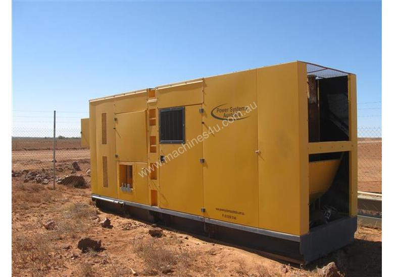 825 KVA  Cummins power Stanford Generator Low Hours