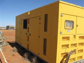825 KVA  Cummins power Stanford Generator Low Hours - picture1' - Click to enlarge