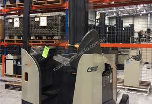 Crown RM6000 Monomast Reach Truck