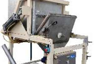 ToteBin Tipper with Cross-Feed Auger