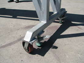 Large Incline Motorised Belt Conveyor - 3.4m High - picture3' - Click to enlarge