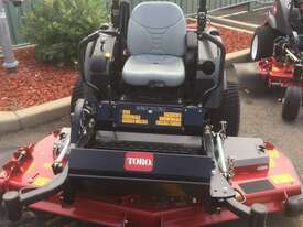 Toro Groundsmaster 7210 Zero Turn Lawn Equipment - picture1' - Click to enlarge