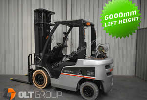 Nissan 2.5 tonne forklift 6m lift height markless tyres sideshift fork positioner LPG