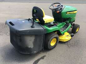 John Deere X300R Standard Ride On Lawn Equipment - picture4' - Click to enlarge