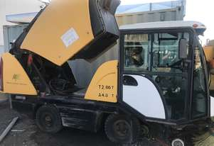 2004 McDonald Johnson Compact 40 Sweeper
