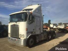 2003 Kenworth K104 - picture2' - Click to enlarge