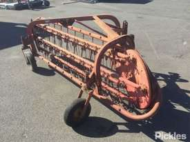 Massey Ferguson 25, PTO Driven Hay Rake - picture0' - Click to enlarge