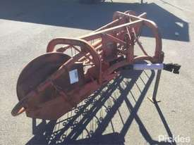Massey Ferguson 25, PTO Driven Hay Rake - picture1' - Click to enlarge