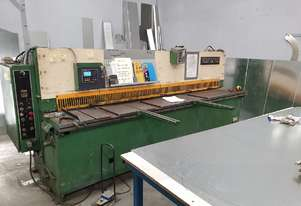 Just Traded - Quick Sale - 3100mm x 6.5mm Hydraulic Guillotine NC Backguage Volt