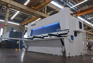 AccurlCMT 6MM CAPACITY | 3.2M LENGTH | HYDRAULIC | PNEUMATIC REAR SUPPORTS | OVERDRIVEN | GUILLOTINE
