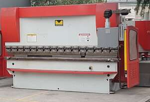 3200mm 8mm NC GUILLOTINE VARIABLE RAKE
