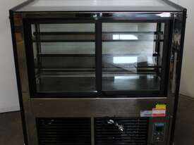 Polar GG217-A Refrigerated Display - picture1' - Click to enlarge