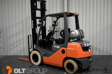 Toyota 2.5 Tonne Forklift LPG 2 Stage Mast 4500mm Lift Height 2016 Model Markless Tyres Low Hours