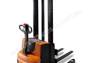 BT Staxio SWE120S Power Stacker Forklift