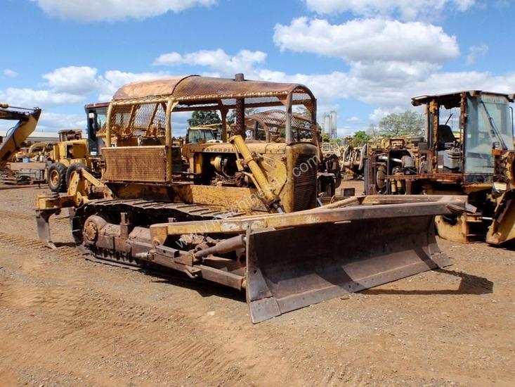 Parts and Wrecking 1966 Caterpillar D6C Dozer Wrecking in