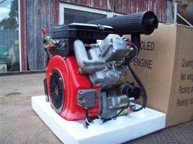 V2 diesel engine 16hp - picture0' - Click to enlarge