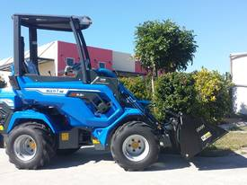 MULTIONE 6.3+ MINI LOADER - picture0' - Click to enlarge